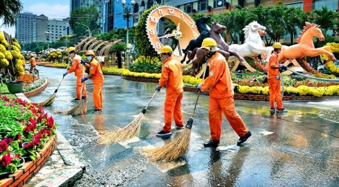 Quần áo bảo hộ cho công nhân vệ sinh cần phải có độ thấm hút mồ hôi nhanh chóng