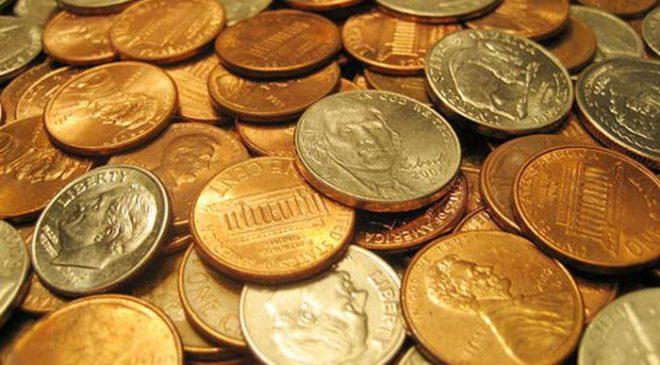 Tiền xu và những vật cứng nhỏ làm nghẽn, hỏng túi chứa, hư động cơ máy hút bụi