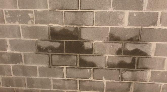 Tiến hành chống thấm khi tường xuất hiện dấu hiệu thấm sẽ không có hiệu quả cao