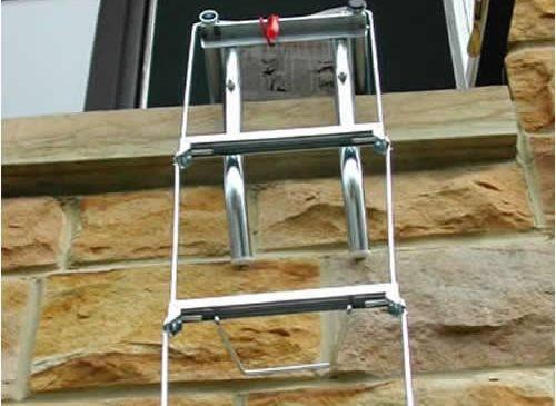 Thang dây thoát hiểm chỉ có tác dụng cho các ngôi nhà có độ cao trong khoảng 10 tầng trở xuống