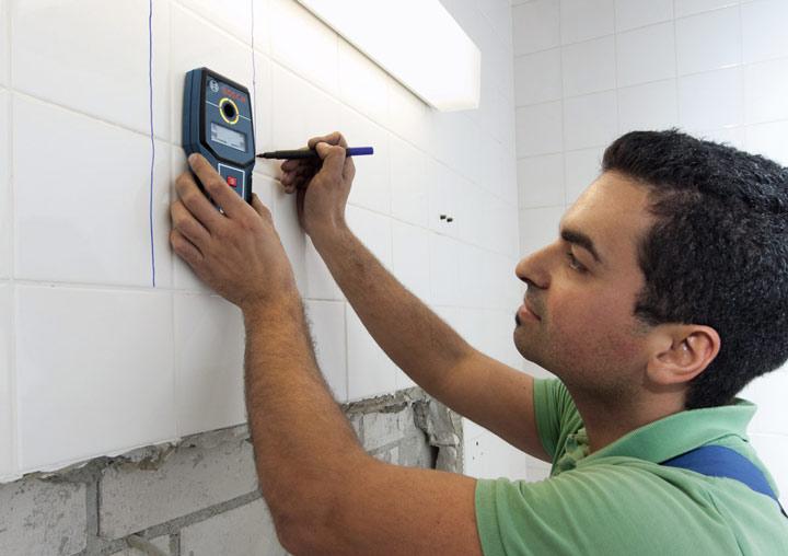 Trong xây dựng, mày dò kim loại giúp định vị được cốt thép và đo chiều dày lớp phủ bê tông