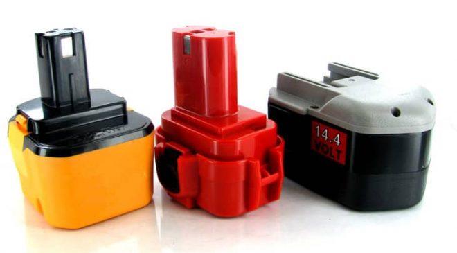 Cần sạc đầy và xả pin của máy khoan ít nhất 2 hoặc 3 tuần một lần