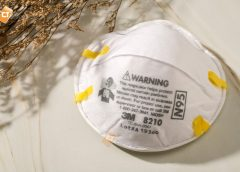 Khẩu trang bảo hộ có tác dụng ngăn ngừa bụi bẩn, bụi siêu mịn, khí độc, vi khuẩn, virus,..
